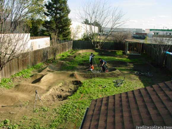 Backyard Pump Track Designs :  the global pump track revolution, and they?ve built a nice one