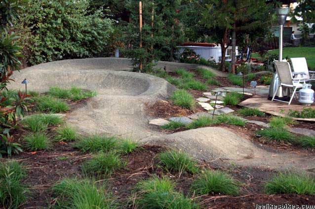 Backyard Bmx Pump Track : good showing of landscape and pump track