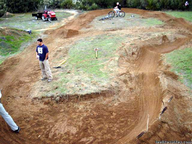 Mark Weir's pump track (now with video) - Lee Likes Bikes