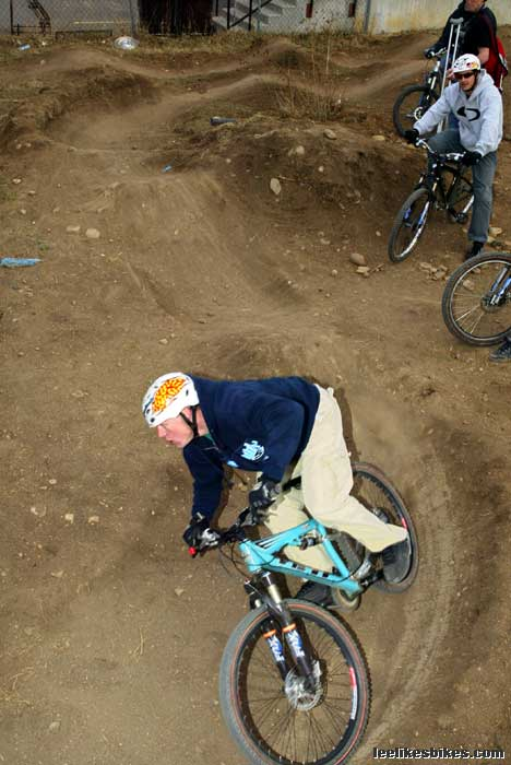 How to build a pump track – Lee Likes Bikes